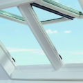 Roto Designo i8 Elektrisches Klapp-Schwingfenster